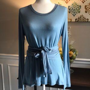 Gap pullover wrap waist top - size Medium.